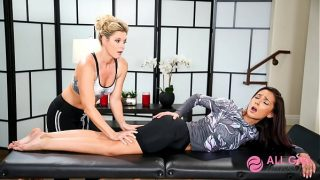 Massage India Summer Scissors Client Hard and She loves it