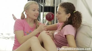 She Made Us Lesbians – Vasilisa loved the lollipops